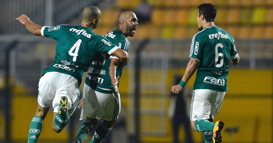 Alecsandro comemora o seu gol pelo Palmeiras contra o Rio Claro