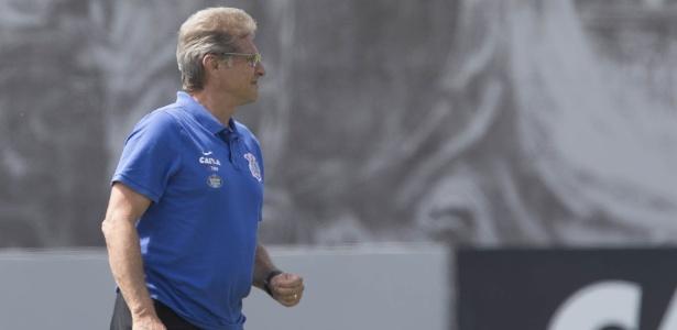 Oswaldo de Oliveira foi sondado pelo Atlético-MG