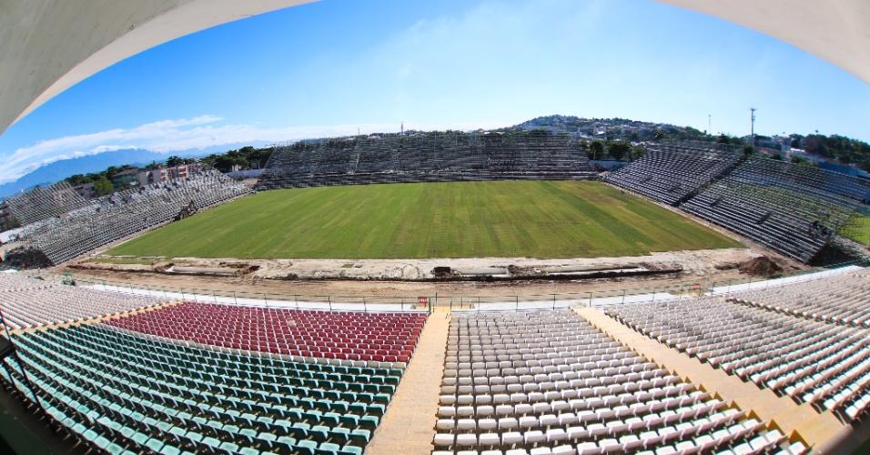 O Flamengo realiza obras da Arena da Ilha para a estreia no dia 8 de março
