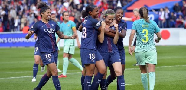 Cristiane (à esquerda) é a maior artilheira da história olímpica entre homens e mulheres