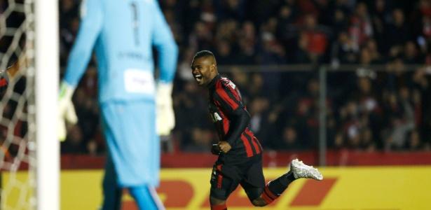 Nikão é dúvida no Atlético para enfrentar o Atlético-MG - Rodolfo Buhrer/Reuters