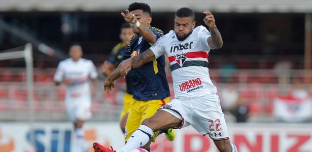 Júnior Tavares em ação pelo São Paulo; clube impõe condições para negociá-lo