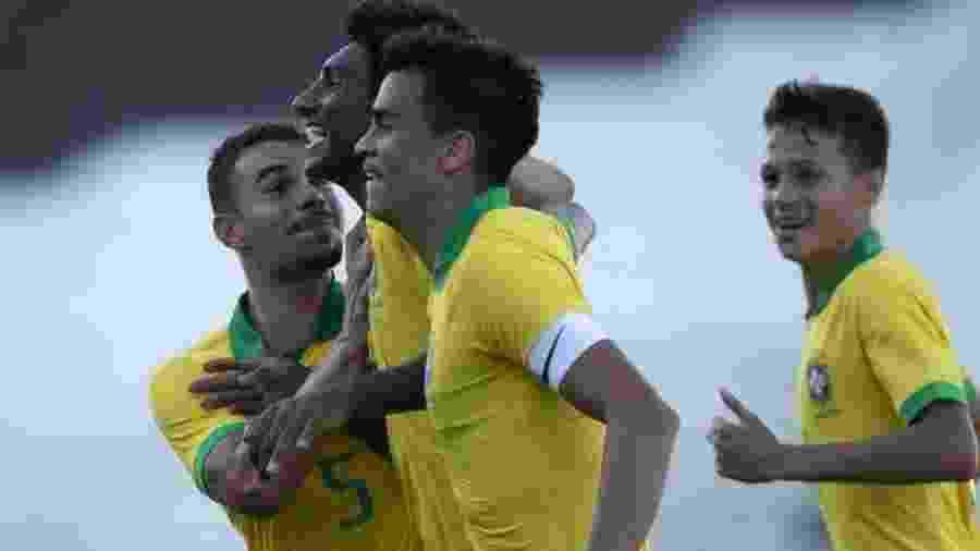 Talles e Reinier comemoram gol da seleção brasileira sub-17 em amistoso - Thaís Fernandes/CBF