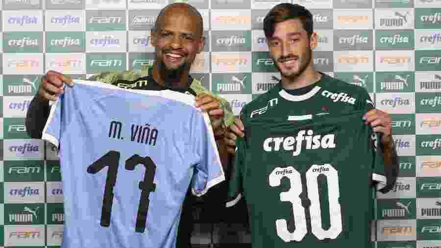 Felipe Melo e Matías Viña trocaram camisas na apresentação do uruguaio no Palmeiras - Cesar Greco/Ag. Palmeiras