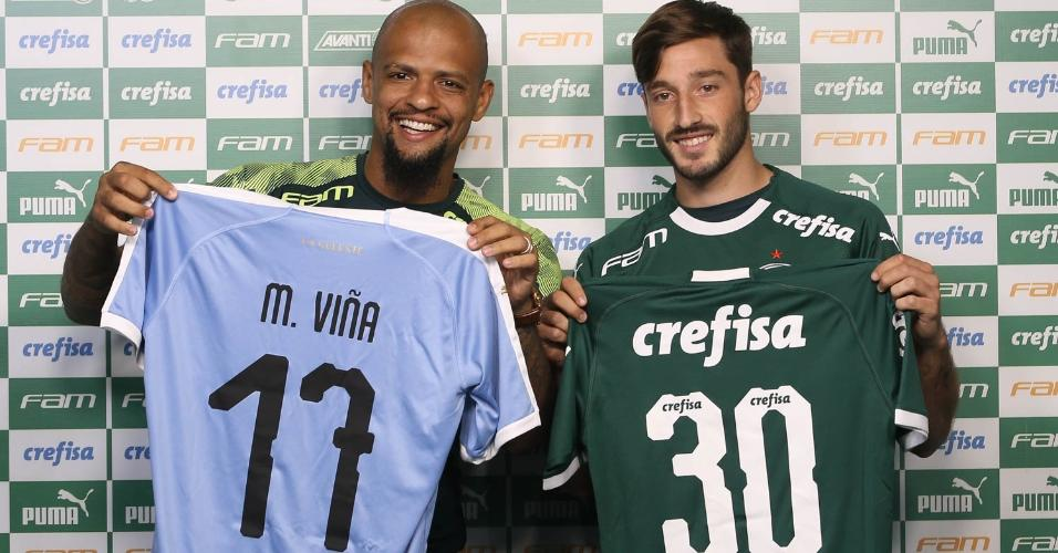 Felipe Melo e Matías Viña trocaram camisas na apresentação do uruguaio no Palmeiras