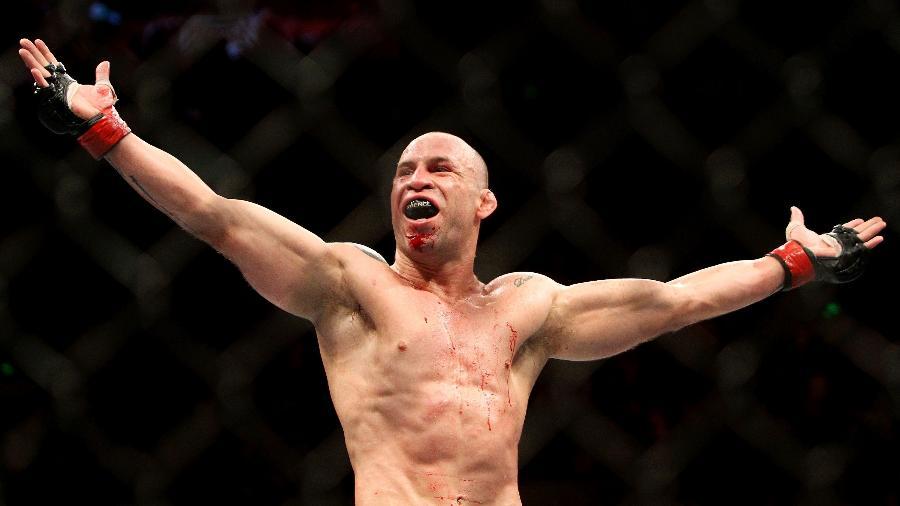 Wanderlei Silva celebra vitoria contra Michael Bisping no UFC  - Jon Mark Nolan/Getty Images