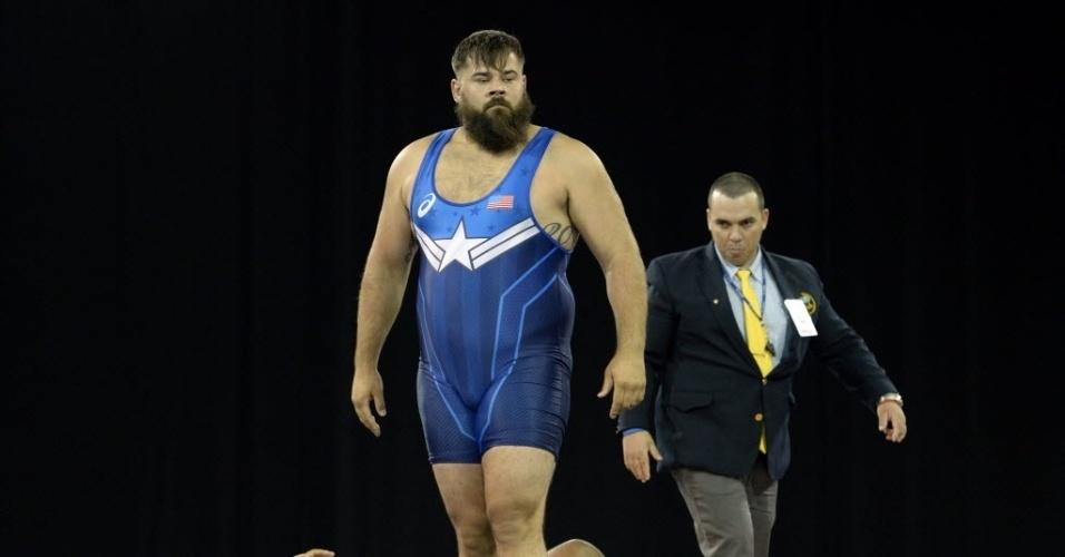 Robby Smith participou do wrestling pelos Estados Unidos com a barba grande