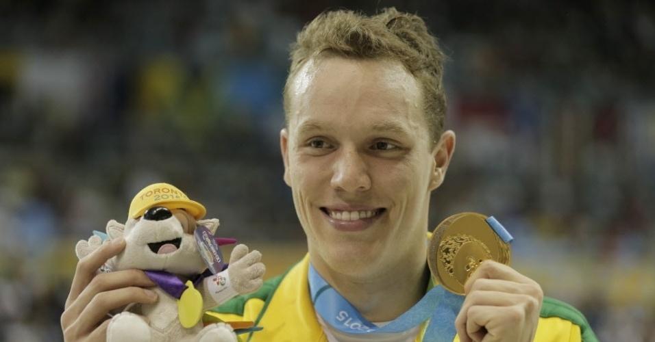 Henrique Rodrigues levou medalha de ouro nos 200m medley da natação