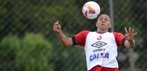 Walter completou 40 jogos com a camisa do Atlético-PR neste domingo