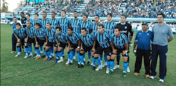 Time do Grêmio campeão brasileiro da categoria Sub-20 em 2008 - Divulgação/Grêmio