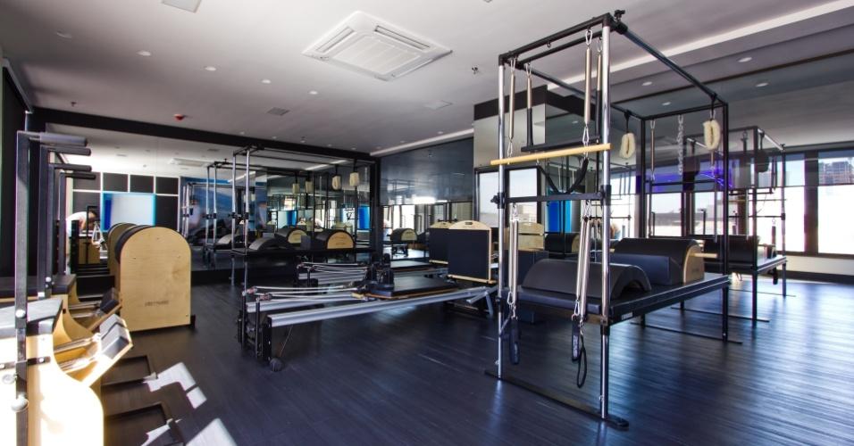 A academia de Marcelo Bordon tem uma sala de pilates
