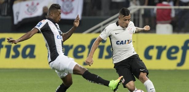 Arana deu a assistência para o gol de Jô no clássico contra o Santos