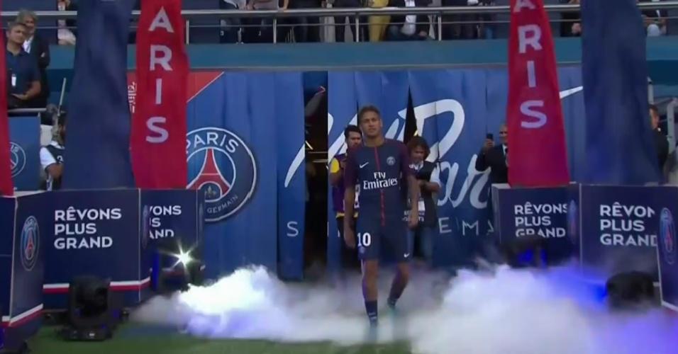 Neymar é apresentado à torcida do PSG