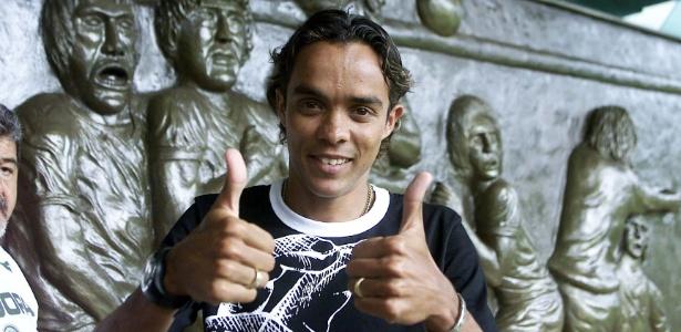 Lucio atuou pelo Palmeiras entre os anos de 2003 e 2007