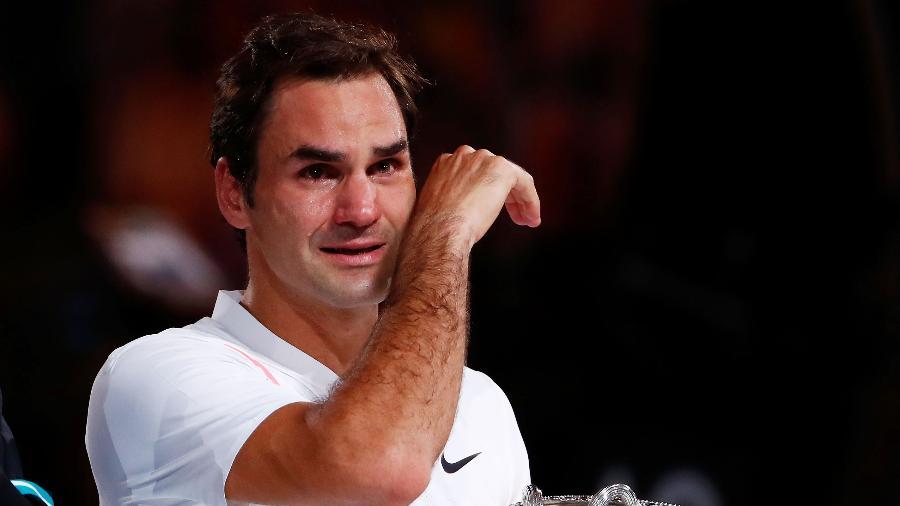 Federer chora com a conquista de seu sexto título do Aberto da Austrália e 20º Grand Slam  - Michael Dodge/Getty Images