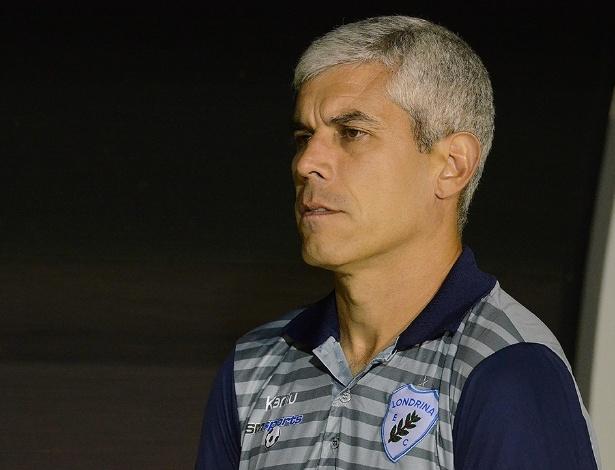 Ricardinho foi demitido e comunicado da saída, mas ficou no Londrina após arrependimento de dirigente - Gustavo Oliveira/Londrina EC