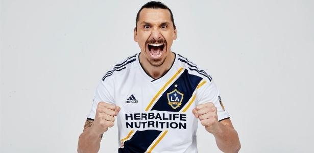 Zlatan Ibrahimovic vestiu pela primeira vez a camisa do Los Angeles Galaxy