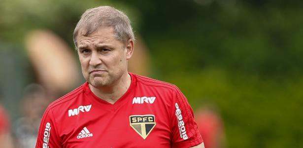 Aguirre deixou Nenê e Jucilei no banco para o duelo com o Atlético-PR no Morumbi - Marcello Zambrana/AGIF