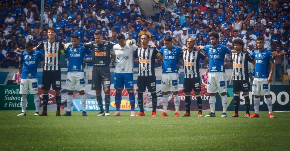 0102a07ee6 Jogadores de Cruzeiro e Atlético-MG intercalados em minuto de silêncio à  vítimas de Brumadinho