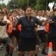 Estudantes fazem o haka em homenagem a vítimas de atentado na Nova Zelândia