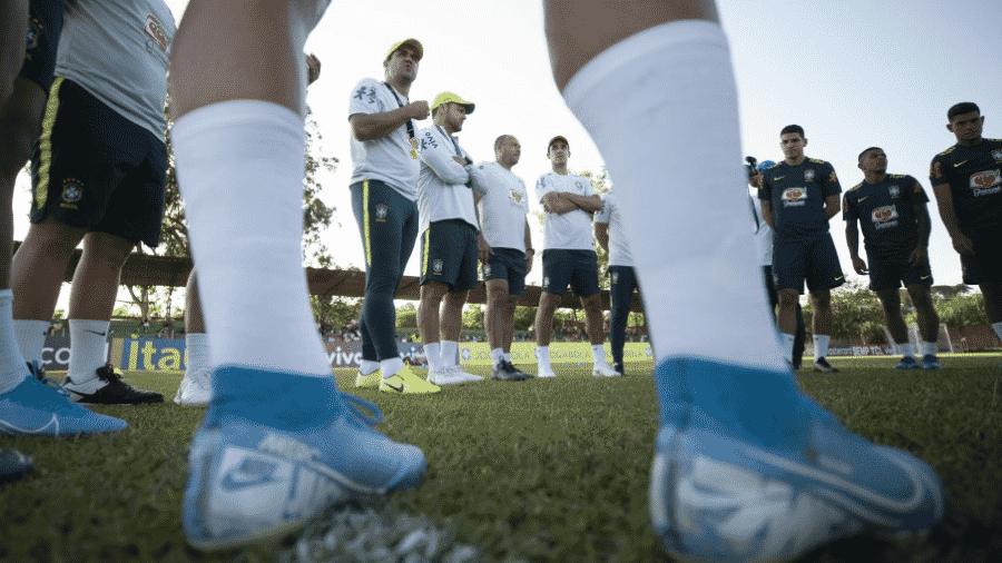 Técnico André Jardine comanda treino da seleção Pre-Olímpica - Lucas Figueiredo/CBF
