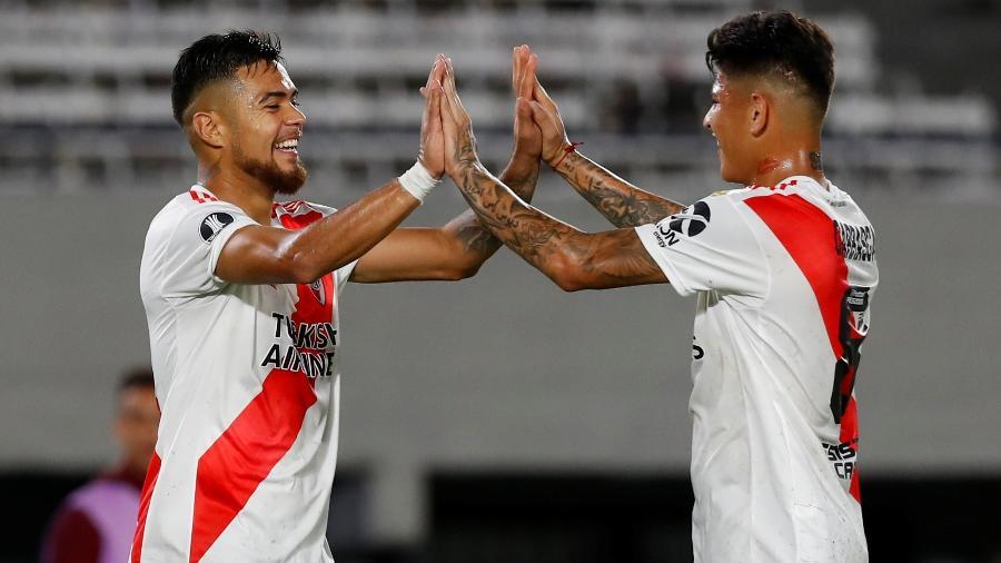 Paulo Diaz e Jorge Carrascal comemoram gol do River Plate contra o Binacional - REUTERS/Agustin Marcarian