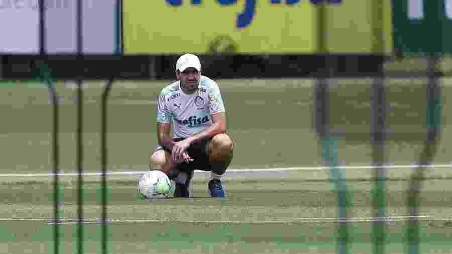 Abel Ferreira, durante treino do Palmeiras na Academia de Futebol - Cesar Greco