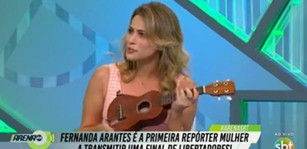 Fernanda Arantes solta a voz e canta sertanejo no Arena SBT