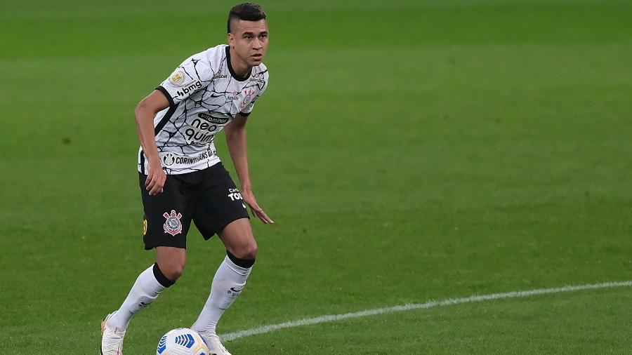 Cantillo em ação pelo Corinthians diante do Internacional, seu último jogo como titular  - Marcello Zambrana/AGIF
