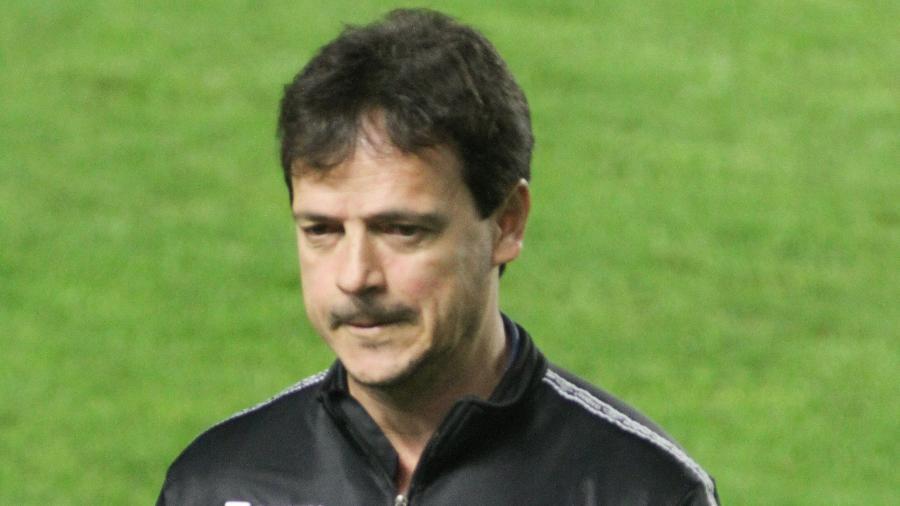 Fernando Diniz durante partida do Santos contra a Juazeirense, pela ida das oitavas da Copa do Brasil 2021. - Fernanda Luz/AGIF