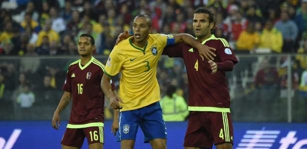 Miranda foi capitão da seleção com Dunga na ausência de Neymar