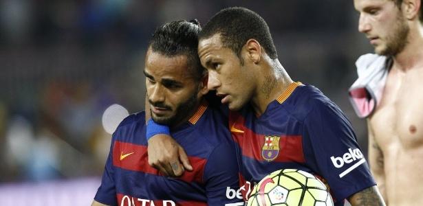Douglas ficou fora de 13 listas de relacionados do time espanhol na temporada
