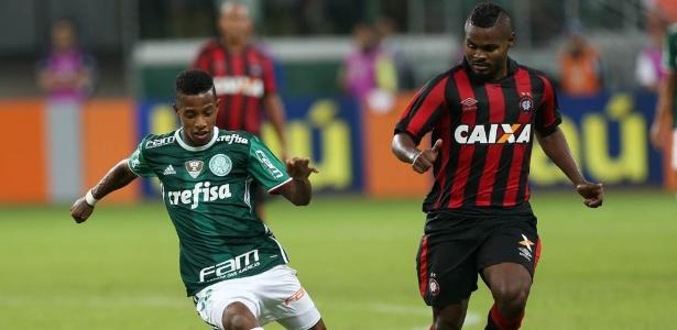 Tchê Tchê estreou pelo Palmeiras no time titular do técnico Cuca