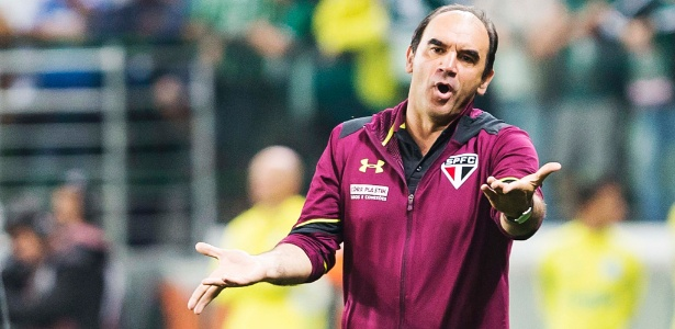 Ricardo Gomes, técnico do São Paulo, time que está bem perto da área de queda