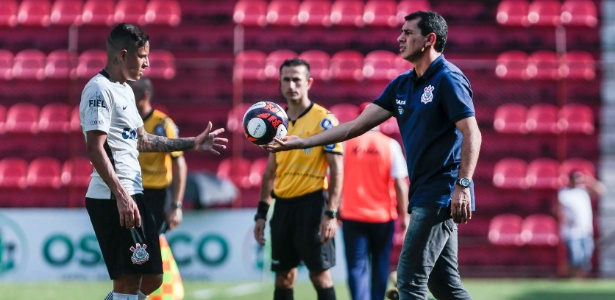 O técnico Carille durante partida do Corinthians contra o Audax - Alê Cabral/Agif