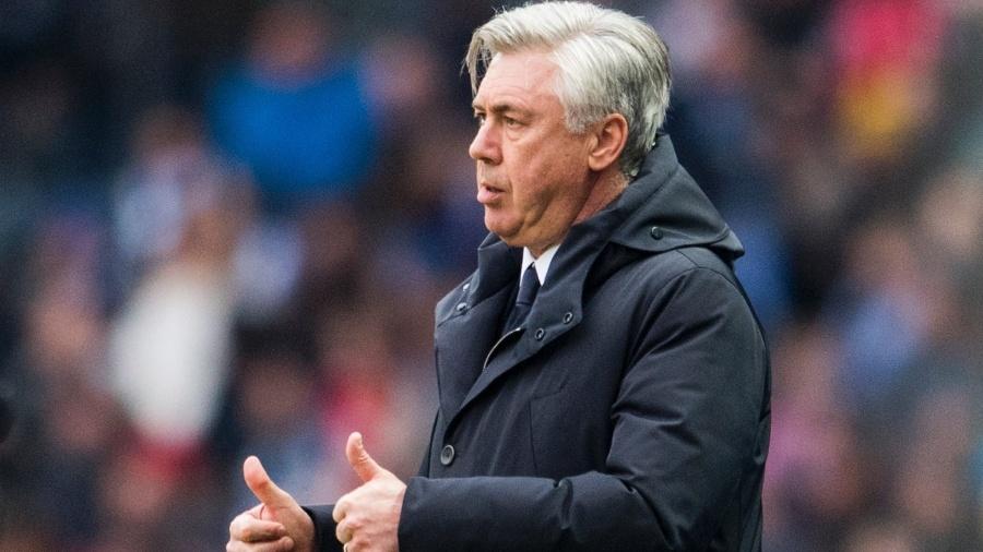 Carlo Ancelotti está sem clube desde a demissão do Bayern de Munique - ROBERT MICHAEL/AFP