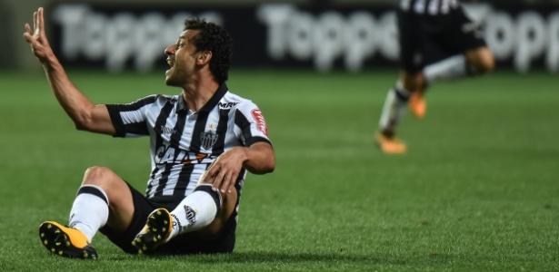 Fred ganha elogios de Oswaldo de Oliveira, que confia na recuperação do treinador