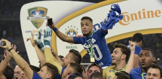 Com o Cruzeiro, Rafinha conquistou a Copa do Brasil que bateu na trave 2 vezes