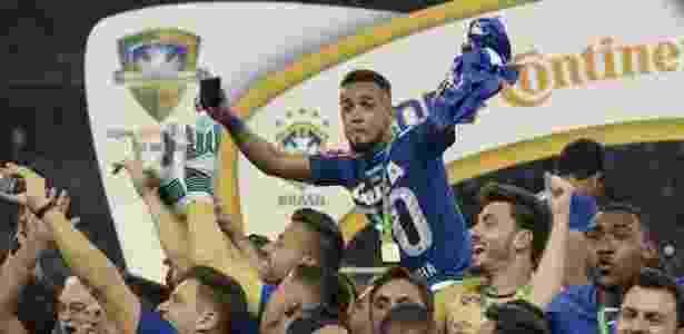 Jogadores já começaram a receber a premiação pelo penta da Copa do Brasil de 2017 - Cristiane Mattos/Light Press/Cruzeiro
