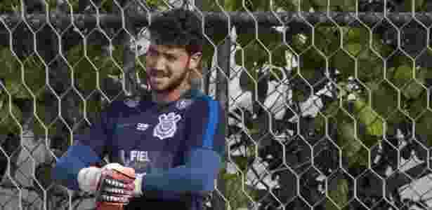 Goleiro volta a treinar no Corinthians após rejeitar reserva no Oeste de8f61648ad12