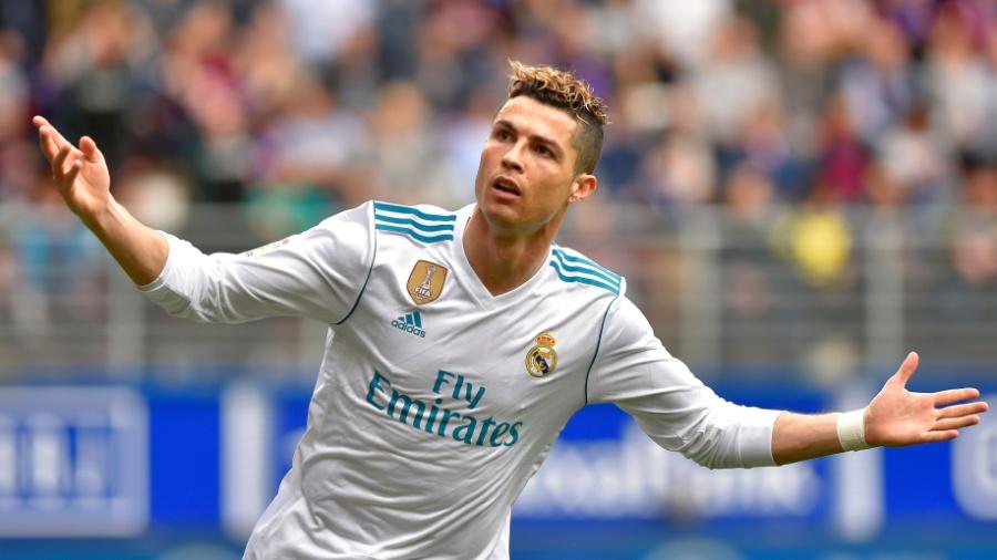 O atacante português Cristiano Ronaldo voltou a ser convocado - AFP PHOTO / ANDER GILLENEA