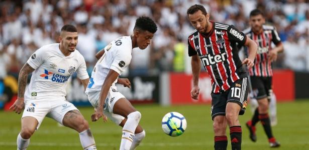 Robson Alves tem contrato com o Santos só até 10 de novembro - Marcello Zambrana/AGIF