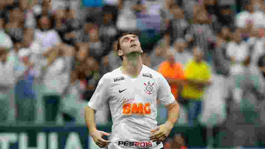 Na ausência de Gustavo, Mauro Boselli ganha mais uma oportunidade como titular do Corinthians - Daniel Vorley/Agif
