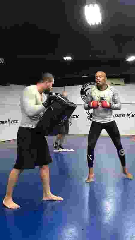 Anderson Silva no treino aberto do UFC - Bruno Braz / UOL Esporte