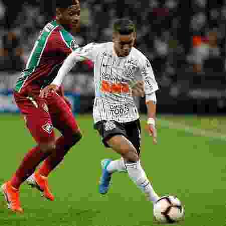 Pedrinho, durante partida entre Corinthians e Fluminense: clássicos entre times paulistas e cariocas entram no Premiere - Daniel Vorley/AGIF