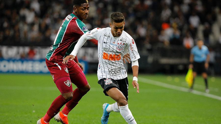 Corinthians Pedrinho Preocupa Comissão Por Dores Recorrentes