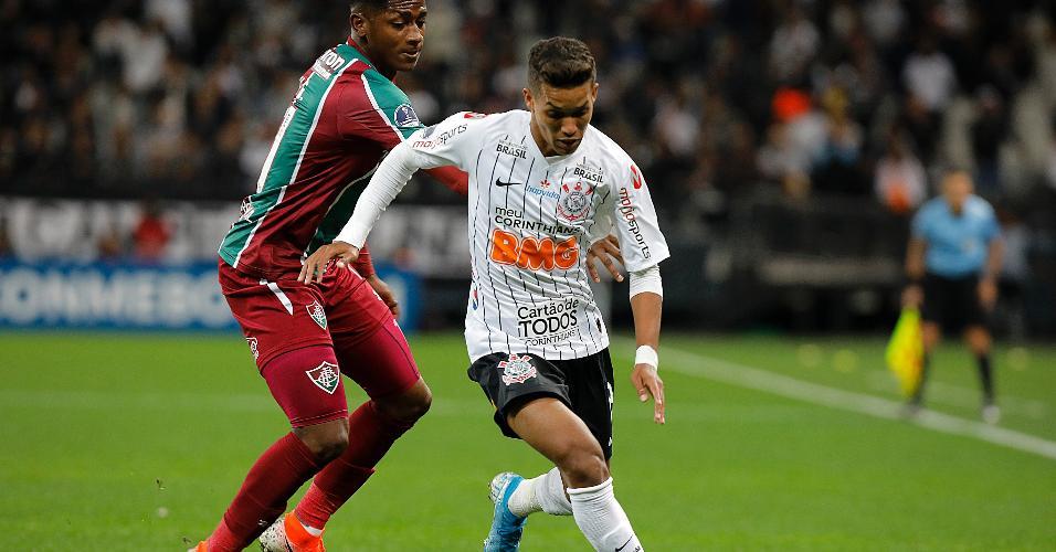 Pedrinho, durante partida entre Corinthians e Fluminense