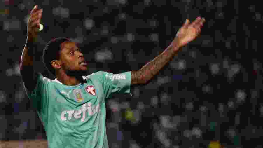 Luiz Adriano comemora gol do Palmeiras contra o CSA - Bruno Ulivieri/AGIF