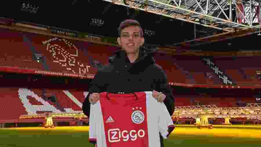 Meia Giovanni, revelado pelo Santos, é anunciado pelo Ajax - Divulgação/Ajax