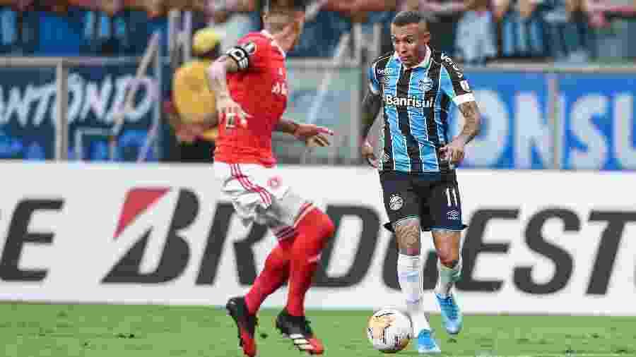 Grêmio e Inter fizeram último jogo com torcida da Libertadores 2020 diante de 53 mil pessoas antes da paralisação pela pandemia - Fotos de: Lucas Uebel/Grêmio FBPA e Ricardo Duarte/SC Internacional
